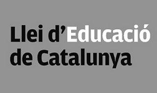 \'En Cataluña llevamos más de 70 años sufriendo un modelo educativo de inmersión lingüística. El franquismo lo aplicó en castellano durante casi 40 años y el nacionalismo lo lleva aplicando 30 años\'.