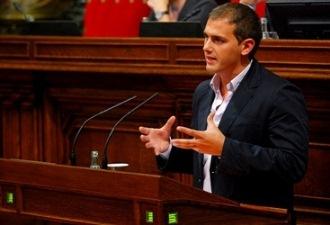 Rivera: 'Es inmoral hacer pagar a los ciudadanos cuarenta veces lo que vale la construcción de una autopista'
