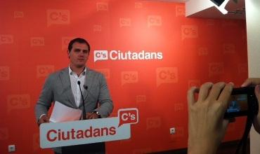 Ciutadans (C's) lleva al Defensor del Pueblo el euro por receta para que lo recurra ante el Tribunal Constitucional