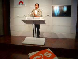 Albert Rivera: 'PSC y CiU se reúnen en los despachos para blindar la partitocracia'