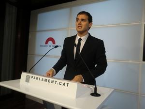 Ciutadans pide la dimisión del consejero de economía Mas-Colell por el impago de nóminas de los servicios sociales